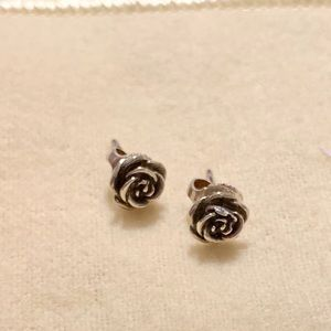 James Avery rose blossom eat posts